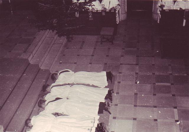 1963 Priesterweihe Unterwerfung