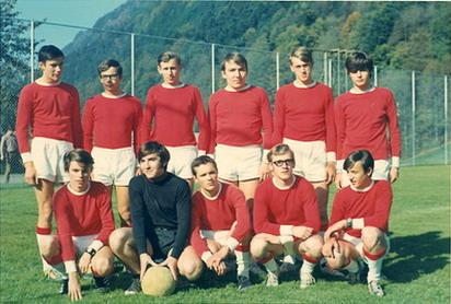 32 Fusballmannsch Claude